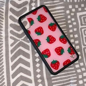 Strawberry wildflower case